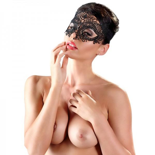 Maske mit Stickerei